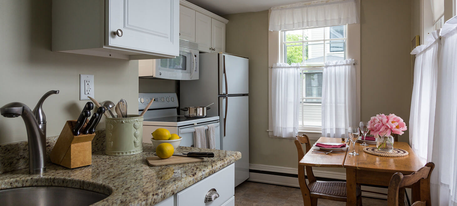 Marblehead, MA Extended Stay Hotel - Apartment 1 kitchen