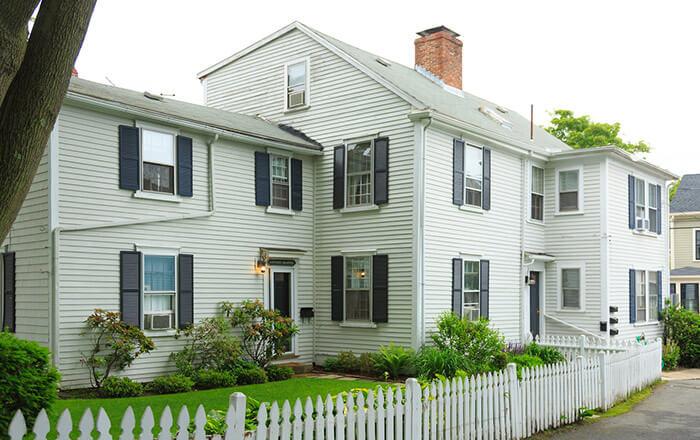 Admirals House Apartments