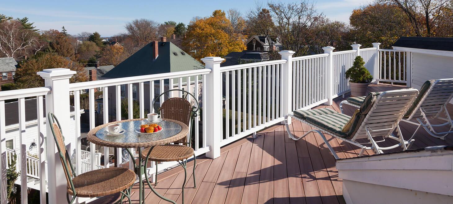 Marblehead, MA Hotel - Room 34 balcony